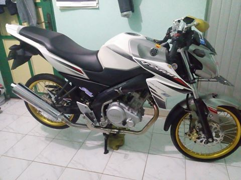Modifikasi Yamaha Old Vixion diRubah Menjadi YZF R15 ...