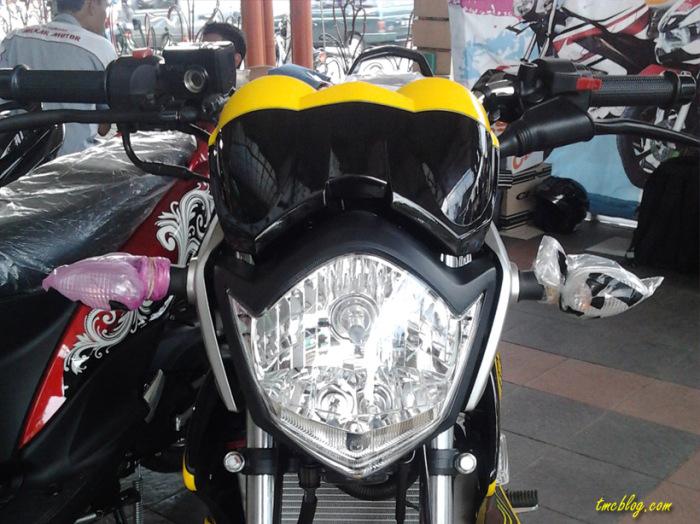Modif vixion 2012 Livery Yamaha Tech 3 MotoGP Headlamp